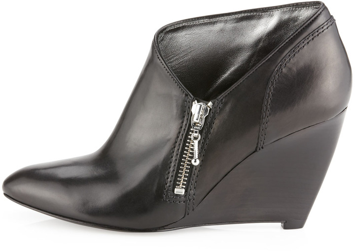Belle by Sigerson Morrison Baby Wedge Bootie, Black