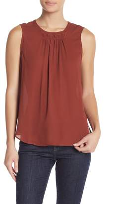 Daniel Rainn DR2 by Sleeveless Pleat Detailed Tank