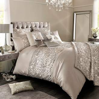 Kylie Minogue KYLIE at home - Helene Nude Duvet Cover