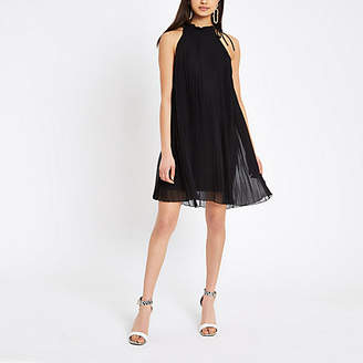 99591985104 River Island Womens Black pleated halter neck swing dress