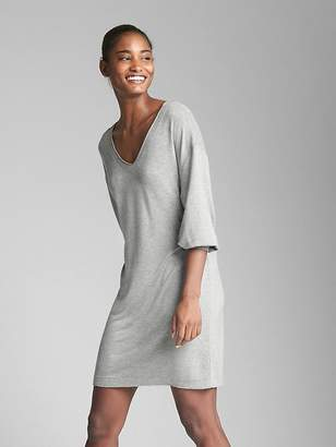 Gap Three-Quarter Sleeve V-Neck Dress