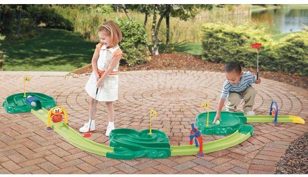 Step2® Par 3 Mini Golf Course™