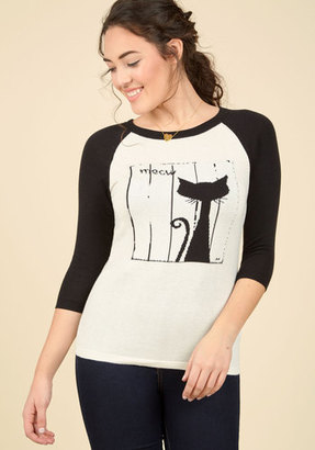 Right Off the Cat Sweater in S $21.99 thestylecure.com