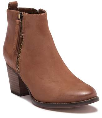 Blondo Vegas Waterproof Leather Ankle Bootie