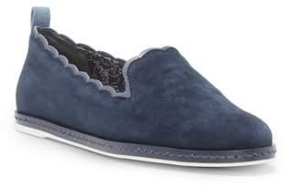 ED Ellen Degeneres Naleena Scallop Edge Slip-On Shoe
