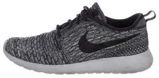 Nike Round-Toe Knit Sneakers