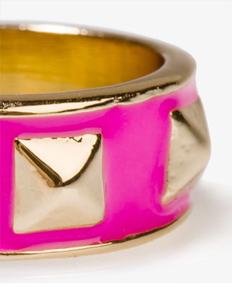 Forever 21 lacquered pyramid stud ring