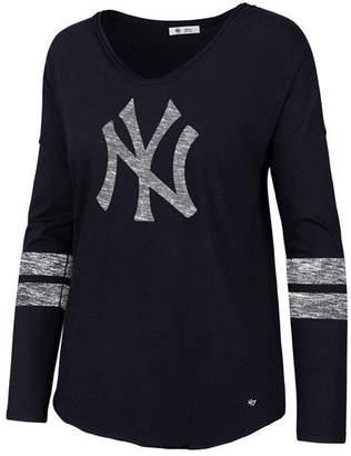 '47 Women's New York Yankees Court Side Long Sleeve T-Shirt