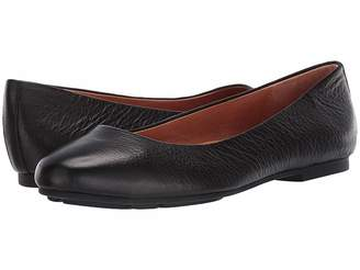 f66cea2a455 ... Kenneth Cole Gentle Souls by Eugene Ballet