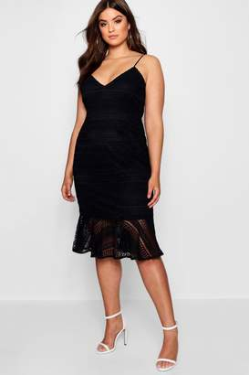 boohoo Plus Lace Flared Hem Midi Dress