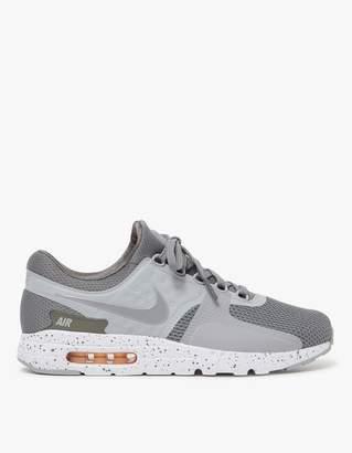 Nike Zero in Tumbled Grey