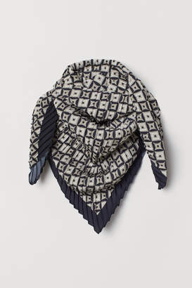 H&M Pleated Scarf - Beige