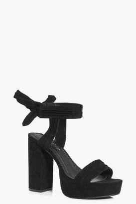 boohoo Bow Back Platform Heels
