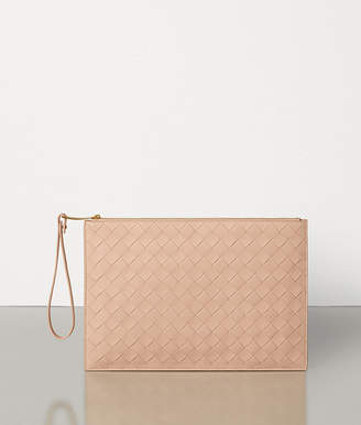 Bottega Veneta MEDIUM POUCH IN MAXI INTRECCIO