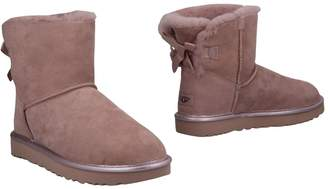 UGG Ankle boots - Item 11477833WS