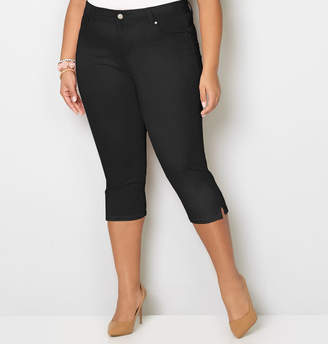 Avenue Washed Denim Capri in Black