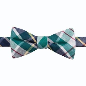 Chaps Men's Graham Micro Pre-Tied Bow Tie