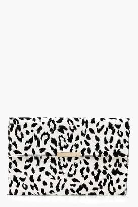 boohoo Mono Leopard PU & Bar Clutch