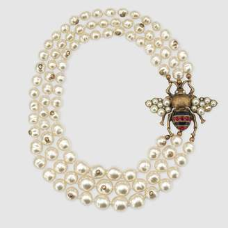 Gucci Glass pearl necklace with bee