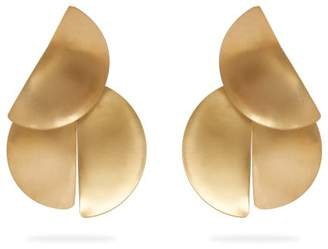Fay Andrada - Uuma Curved Brass Earrings - Womens - Gold
