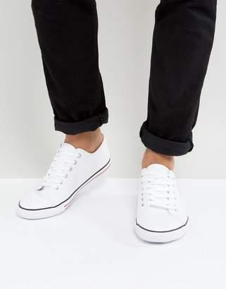 Asos Design DESIGN lace up plimsolls in white canvas 48f1b962e