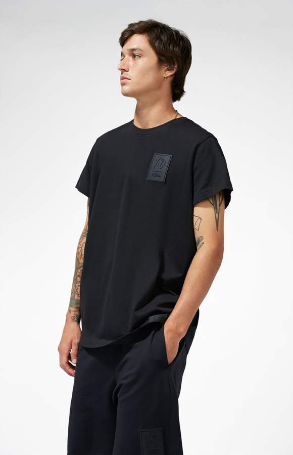 x XO Black T-Shirt