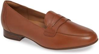 Clarks r) Un Blush Go Penny Loafer