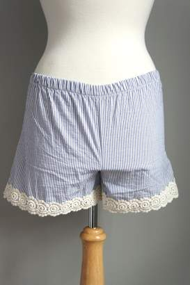The Haley Boutique Searsucker Lace-Hemmed Shorts