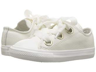 Converse Chuck Taylor(r) All Star(r) Big Eyelets - Ox (Infant/Toddler)