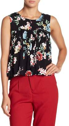 Romeo & Juliet Couture Floral Ruche Pleated Top