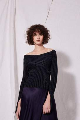 Boutique **twist back knitted top