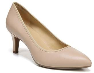 76ec5daca38e ... Naturalizer Oden Leather Pump - Wide Width Available