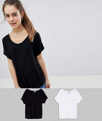 Asos DESIGN Petite t-shirt with drapey batwing sleeve 2 Pack