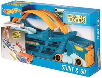 Hot Wheels Stunt & Go Truck