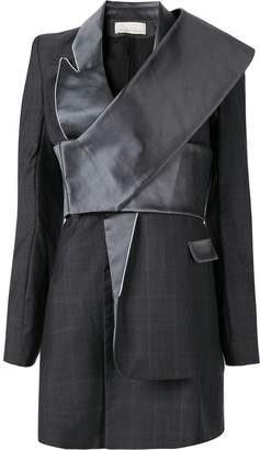 Juan Hernandez Daels Veamos suit dress
