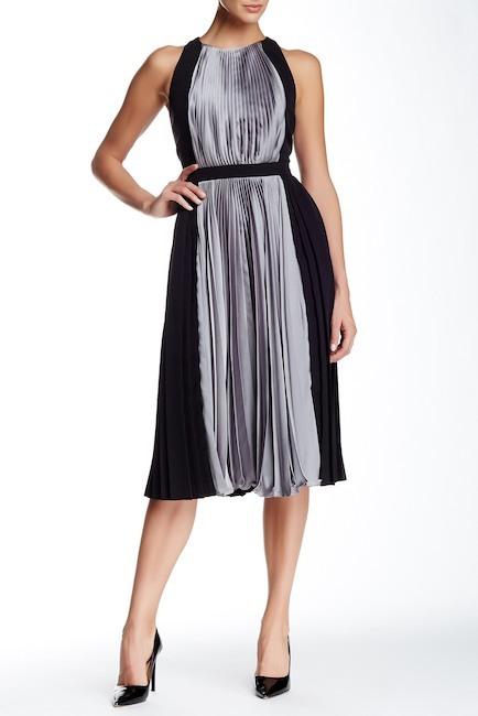 Carmen Marc ValvoCarmen Marc Valvo Pleated Colorblock Dress