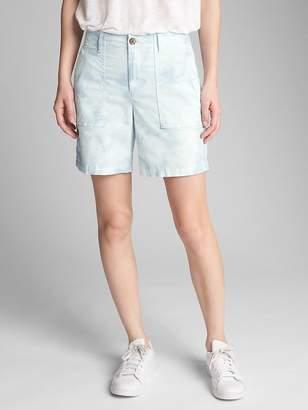"""Gap 5"""" Girlfriend Utility Shorts in Tie-Dye"""