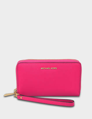 9385861fd1fe MICHAEL Michael Kors Large Flat Multifonction Phone Case in Ultra Pink  Saffiano Leather