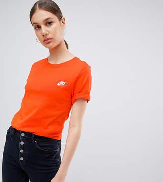 Nike Boyfriend T-Shirt With Embroidered Logo In Orange
