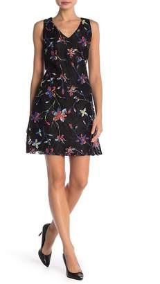 Robbie Bee V-Neck Floral Print Lace Dress
