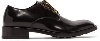 Maison Margiela Contrast Laces Patent Leather Derby Shoes - Mens - Black