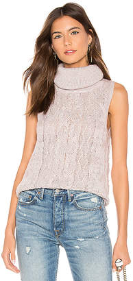 BB Dakota Sweater With Time Sleeveless Sweater