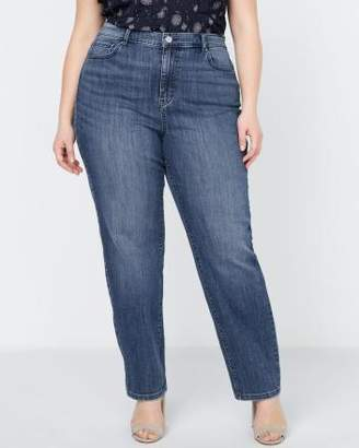 Penningtons Petite - Curvy Fit Straight Leg Jean with Embroidery - d/C JEANS