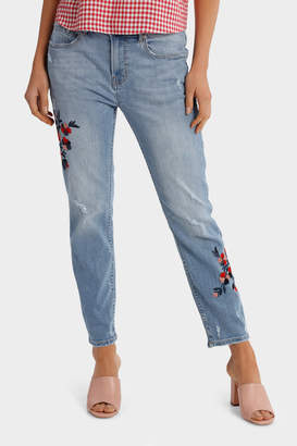 Jean Boyfriend Style with Embroidery