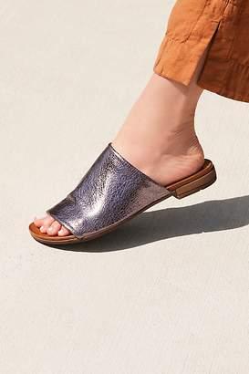 Bueno Shore Thing Slide Sandal