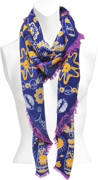 Vivienne Westwood Skulls N Chains 140x140 shawl