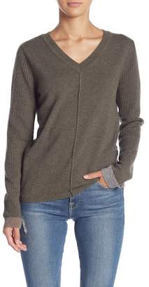 Lynk Knyt & Cashmere V-Neck Sweater