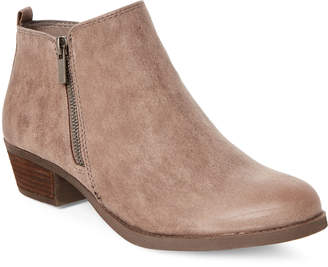 Carlos by Carlos Santana Doe Brie Zip Ankle Booties