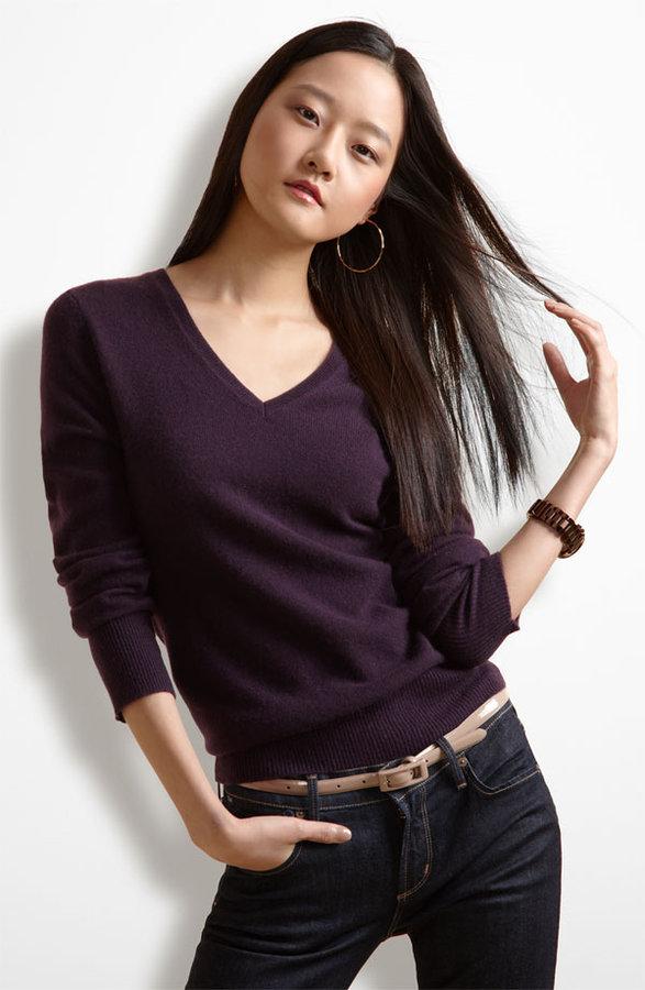 Only Mine V-Neck Cashmere Sweater
