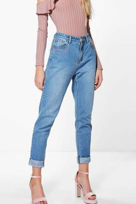 boohoo High Waist Slogan Hem Mom Jeans